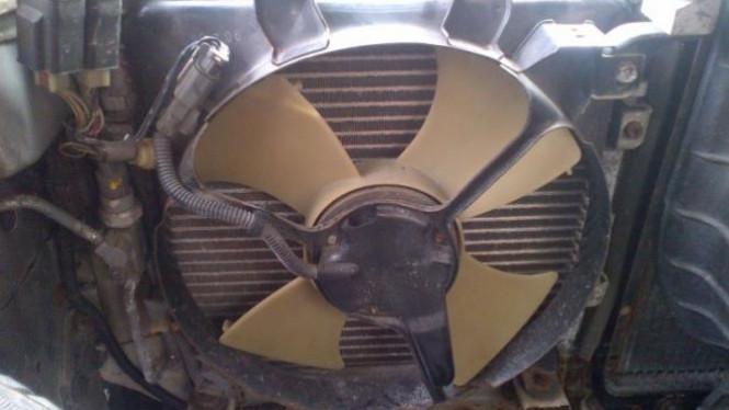 Fan atau kipas outdoor ac